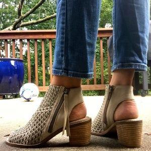 Sam Edelman Women's Leather Cooper Sandal 6.5